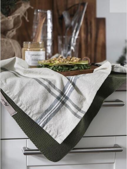 Mynte strikket håndklæde, mørkegrøn