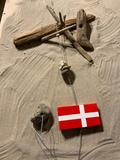 Flag på snor med sten