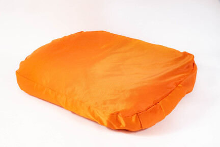 Doggyshop-orange-hundepude-håndlavet-dansk-design-medium