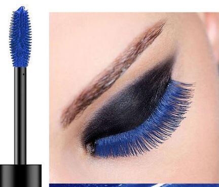 Intense vipper med blå vandfast mascara