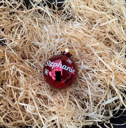 Julekugler med navne. Vælg selv navne til dine Julekugler.