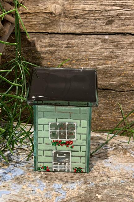 Skønt glas hus til lys i dejlig grøn farve
