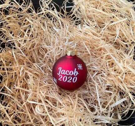 Julekugler med dit navn. Til børn og voksne. Flot til juletræet.