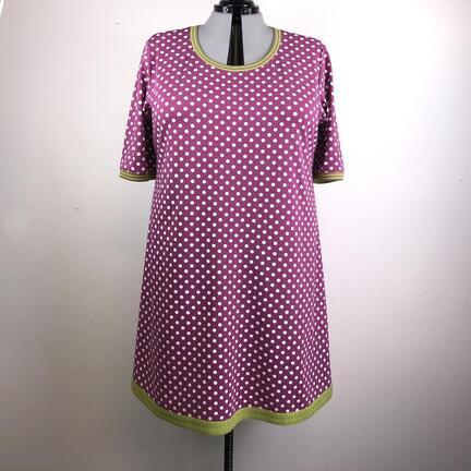 Prikket kjole i bomuldsjersey, til plussize kvinder.
