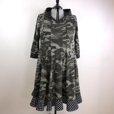 Jerseykjole i camouflage print, kjoler i plussize.