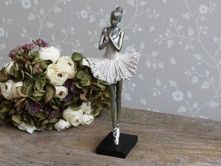 Ballerina stående fra Chic Antique