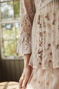 Bluse - blonde - Kelly fra Femme Facon, Jeanne D´Arc Living
