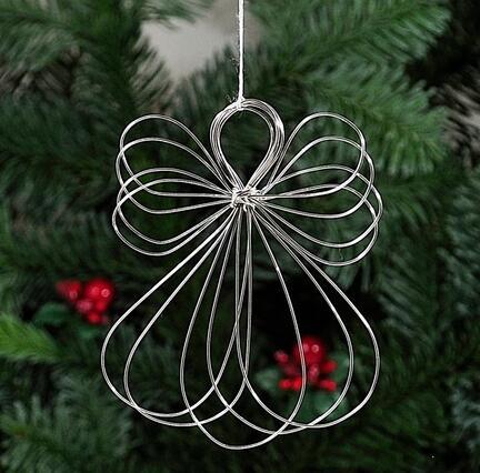 Sølvtråds vikle engle  Vikle engelene er håndlavet af Elisabeth. De er lavet af sølvtråd og tager sig godt ud på en grangren eller juletræet