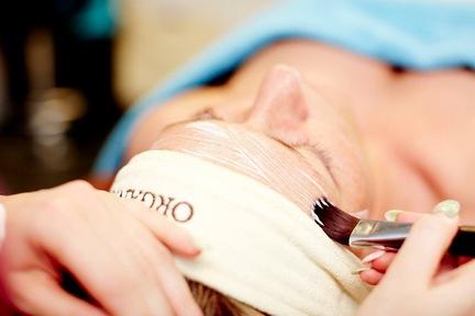 Biologis Skinlift Antiage Ansigtsbehandling i Farum