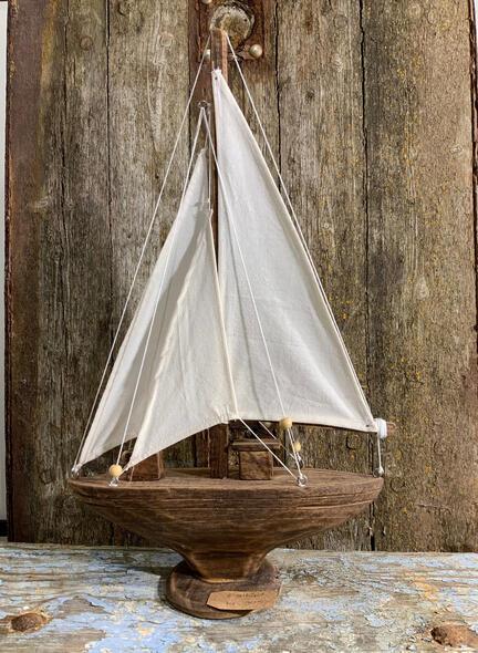 sejlbåd i træ