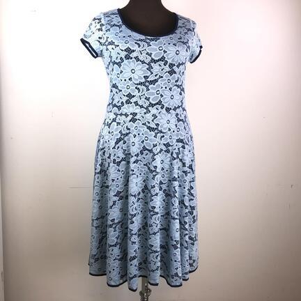 Lysseblå blonde kjole str. L
