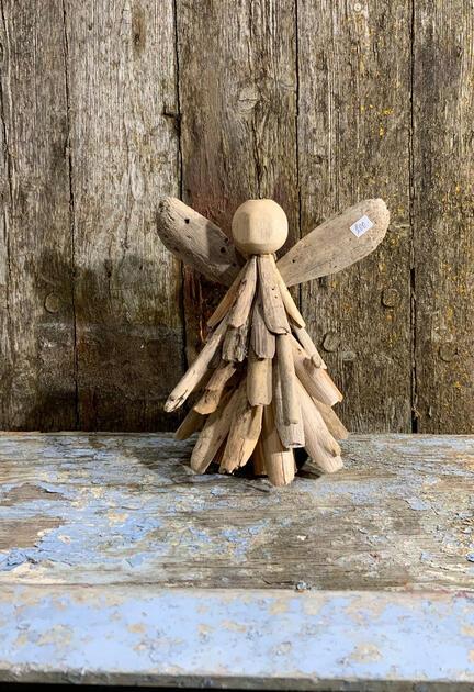 Engel i træ