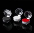 Smykkeæske i akryl sekskantet  til ringe eller ørestikker