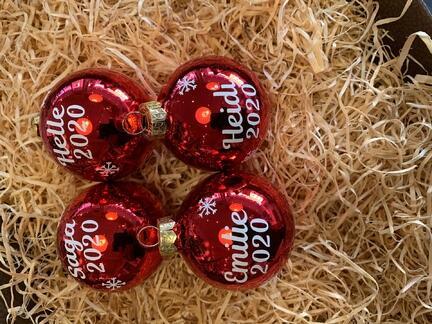 Julekugler med jeres egne navne